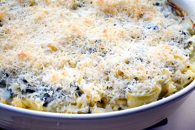 spinach and artichoke mac & cheese