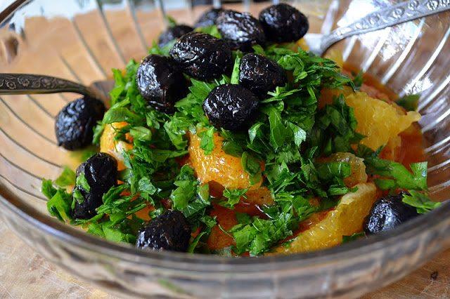 Spicy Orange Moroccan Salad with black olives