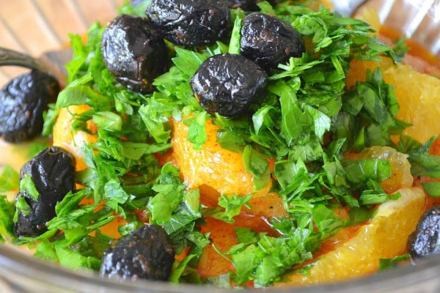 Spicy Orange Moroccan Salad with black olives
