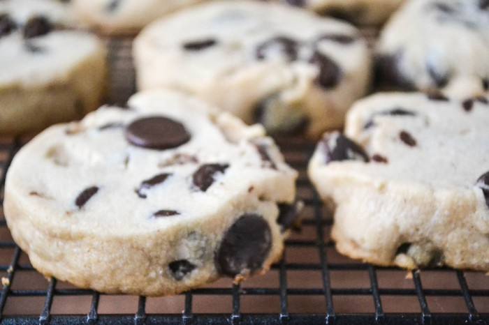 Peanut Butter Chocolate Chip Shortbread Cookies | The View ...