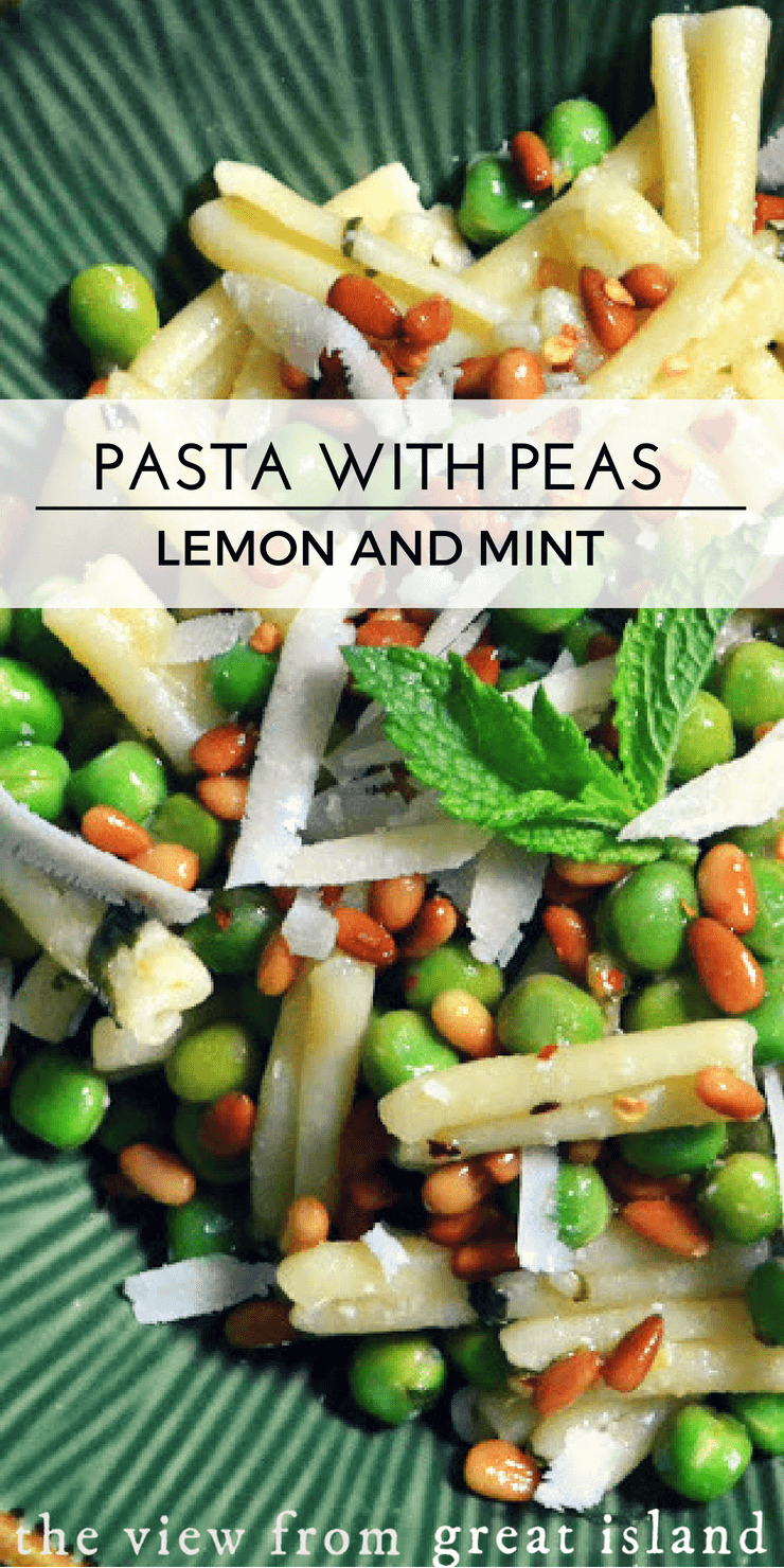 Pasta with Fresh Peas Lemon and Mint ~ a fresh and easy 30 minute meal that's definitely not the same old pasta night ~ the family's going to love this! #pasta #dinner #30minutemeal #recipe #easy #mint #lemon #pinenuts #vegetarian #meatless #meatlessmonday