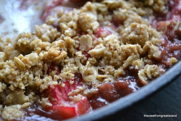 strawberry rhubarb skillet crumble 1