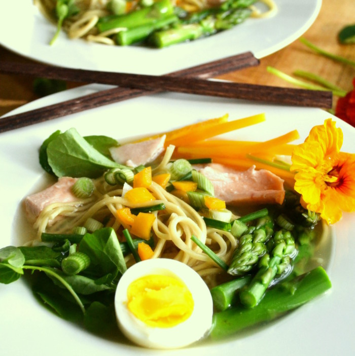 Yellow Miso Ramen with Asparagus and Salmon 4