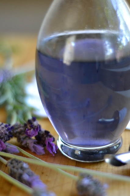Making lavender simple syrup