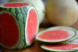 how to cut a watermelon 2