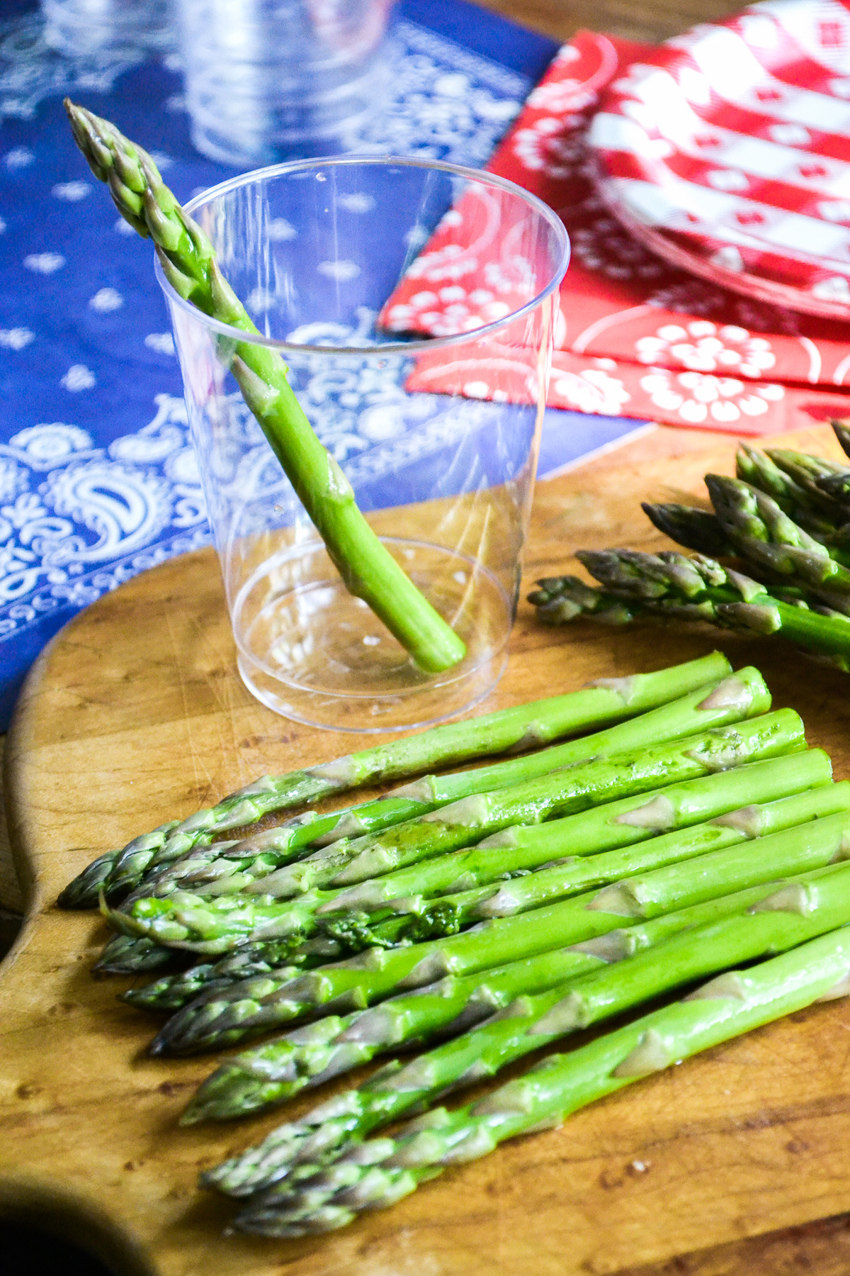 Asparagus stalks ready for green goddess veggie dip cups