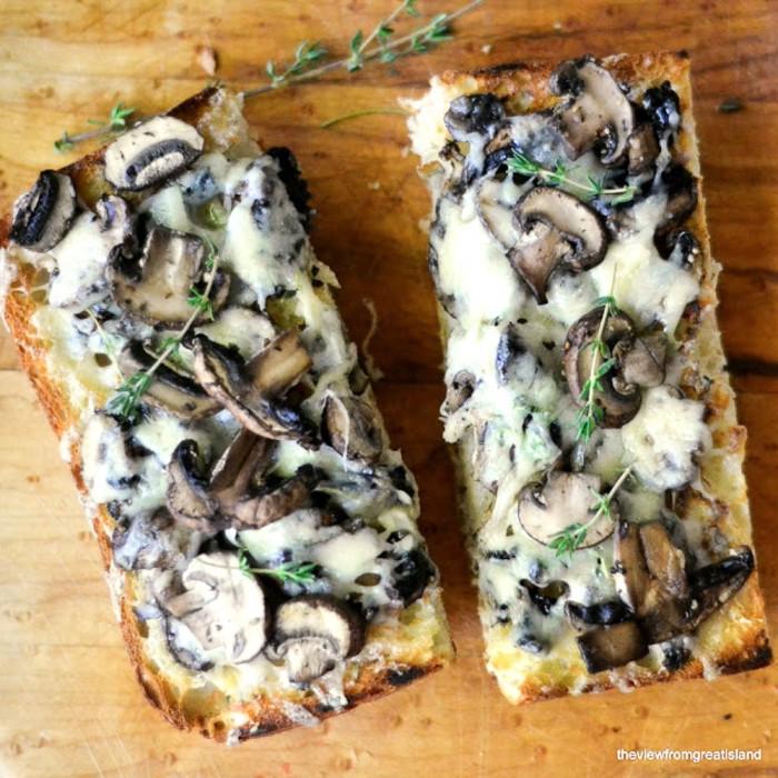 mushroom and cheese bruschetta