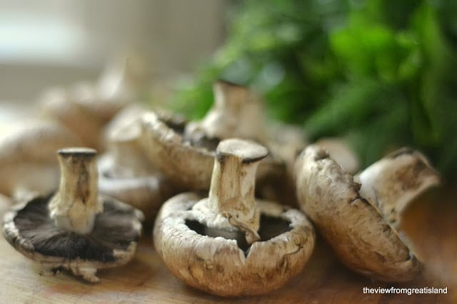 fresh mushrooms for mushroom and Gruyere bruschetta