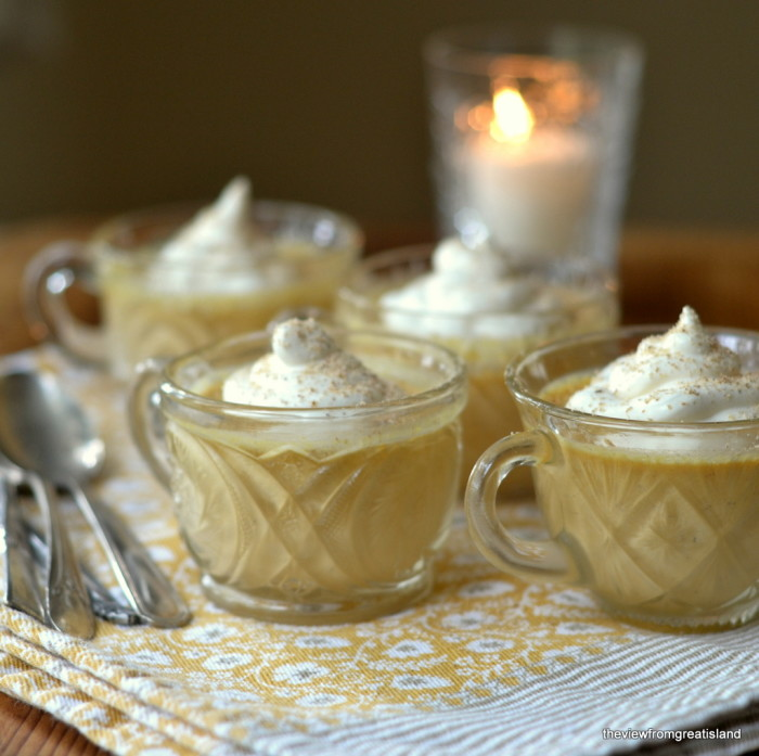 pumpkin pot de creme in small glasses