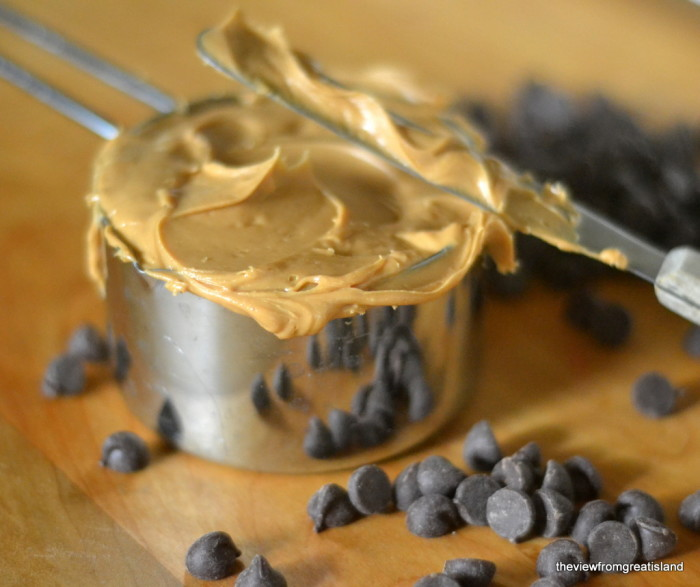 cashew butter for flourless chocolate chip cookies