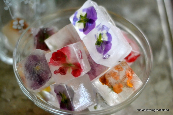How to make flower ice cubes 8