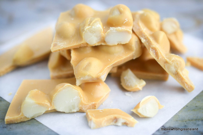 Caramelized White Chocolate Macadamia Bark 1