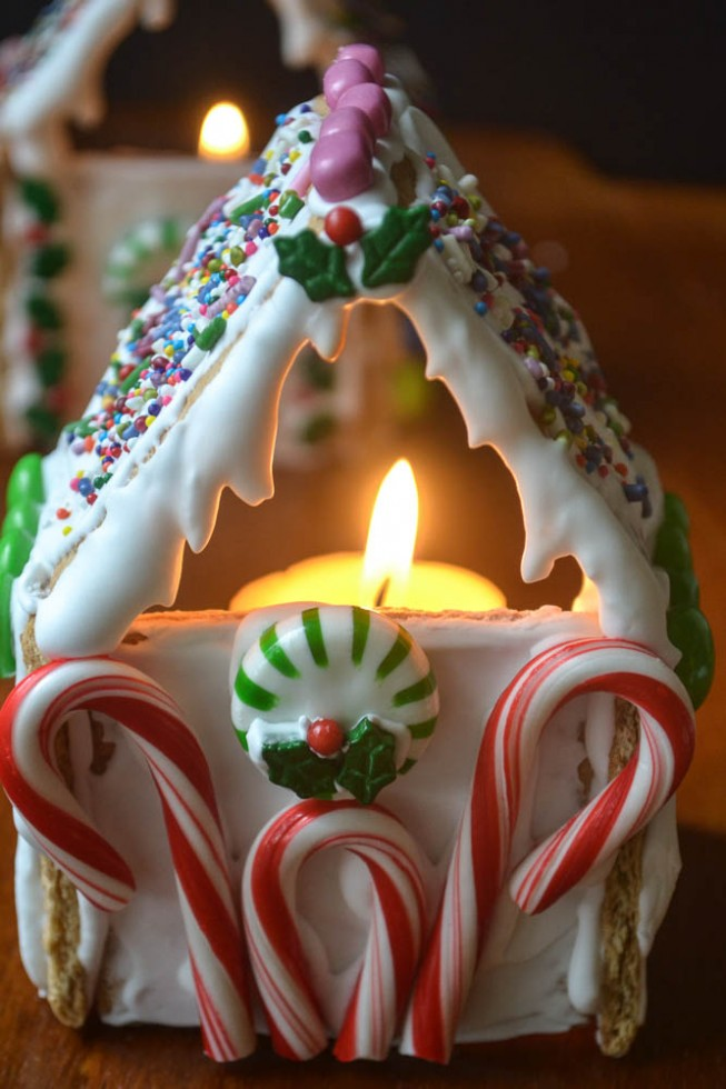 easy graham cracker gingerbread house votives