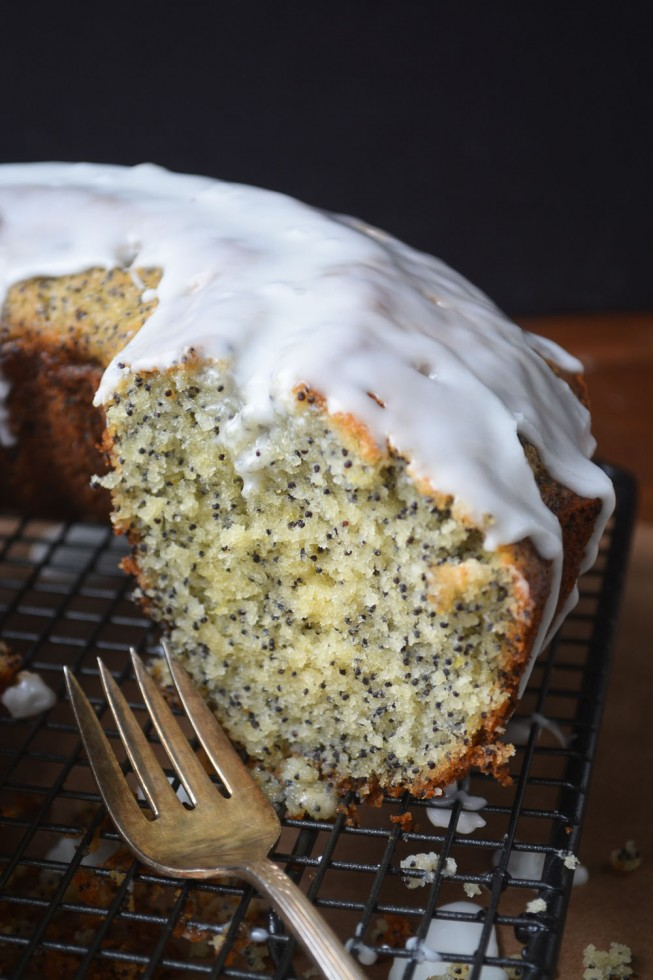 Super moist Grapefruit and Poppy Seed Cake