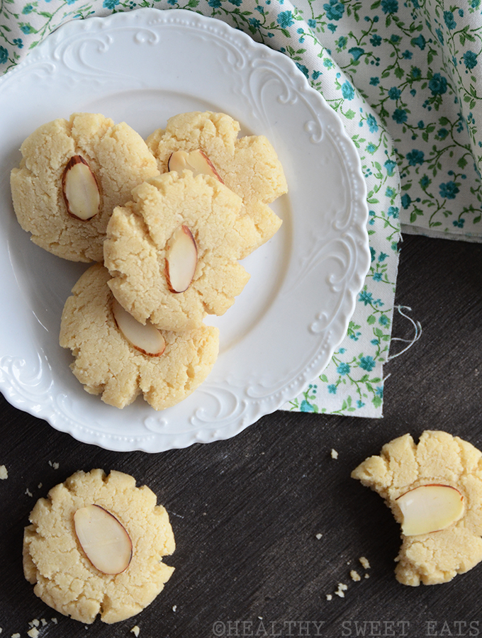 vanilla almond flourless cookies