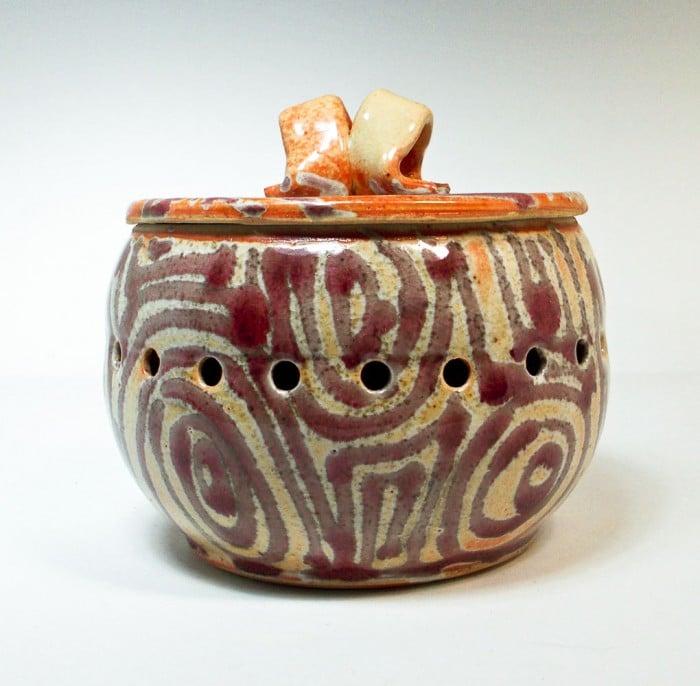 American Artisans Garlic Pot