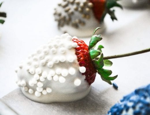 easy white chocolate dipped strawnerries