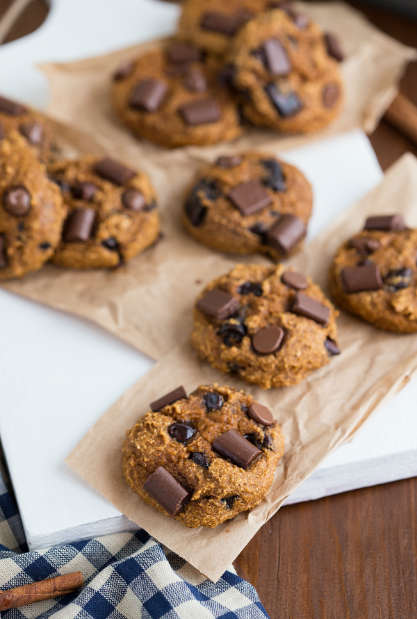 flourless pumpkin chocoate chip cookies