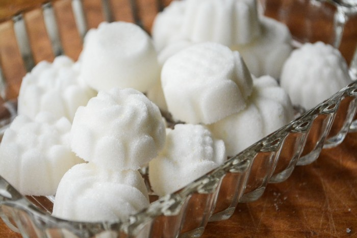 Make your own adorable sugar bon bons for afternoon tea