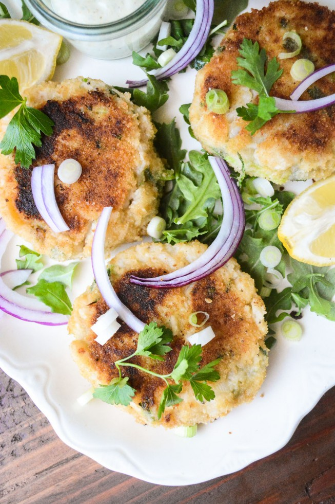Traditional fish Cakes with homemade tartar sauce