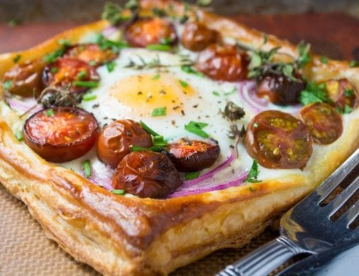Easy and elegant Baked Eggs in ouff pastry