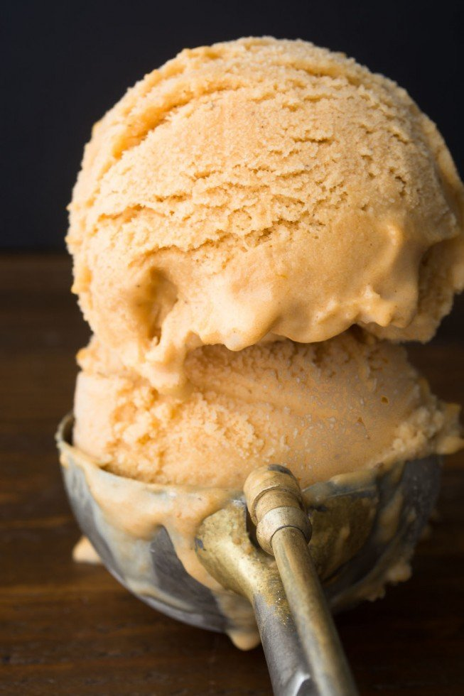 Pumpkin Pie Ice Cream in an ice cream scoop