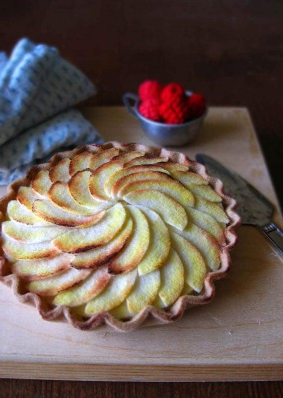 American Artisans Milkfly felt apple tart