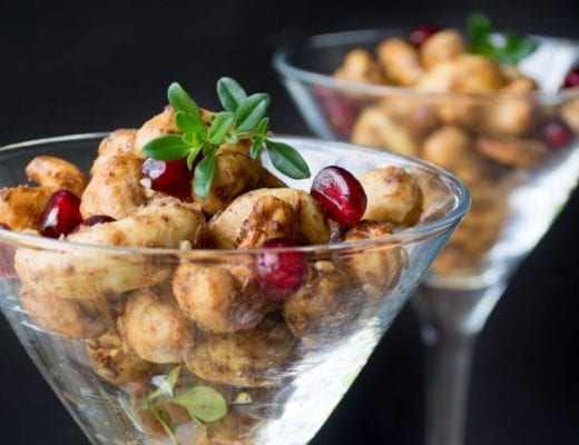 Za'atar Spiced Cashews make the perfect holiday starter!