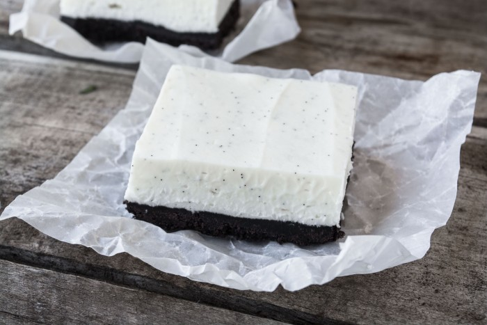 Simple but fabulous No Bake Vanilla Bean Cheesecake Squares