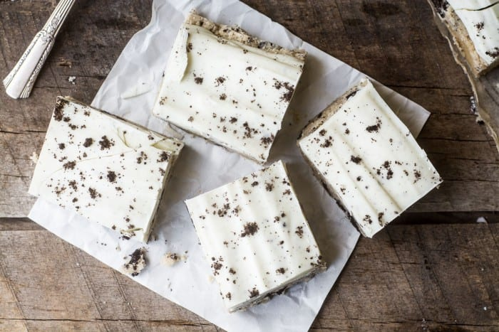 No Bake Cookies and Cream Dookie Dough Bars