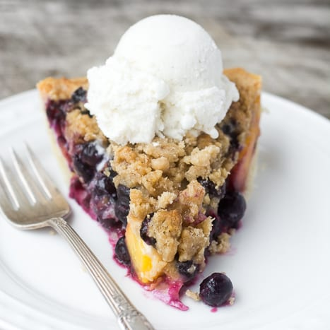 Easy Blueberry Peach Crumble Pie | theviewfromgreatisland.com