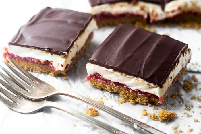 No Bake Raspberry Cheesecake Bars | theviewfromgreatisland.com