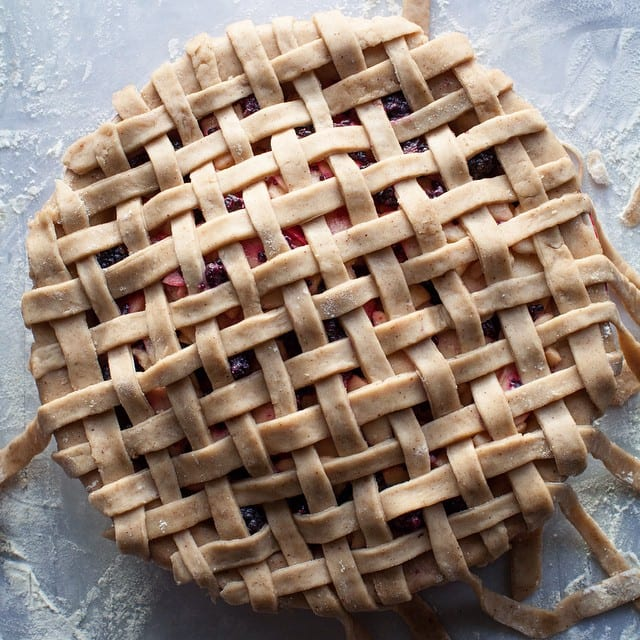 Caramel Apple Blackberry Pie from @lemonfirebrigade