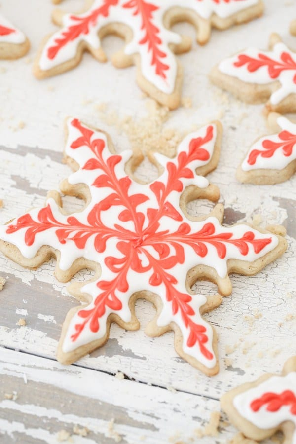 Gingerbread Snowflake Cookies from Sugar and Charm