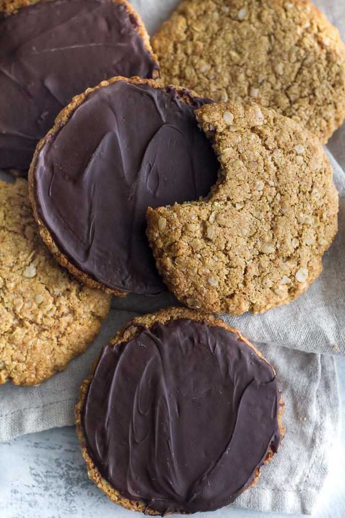 Chewy Flourless Oatmeal Cookies ~ 25 MORE Fabulous Flourless Cookies