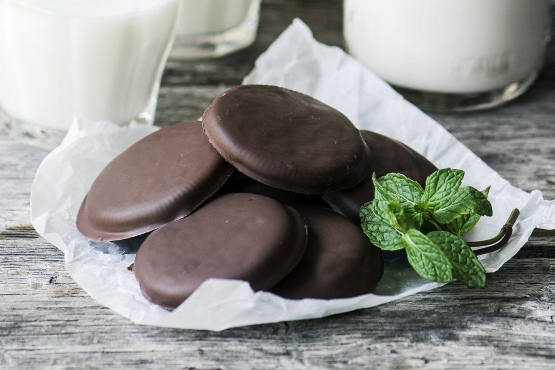 How to make Homemade Vegan Thin Mint Cookies ~ theviewfromgreatisland.com