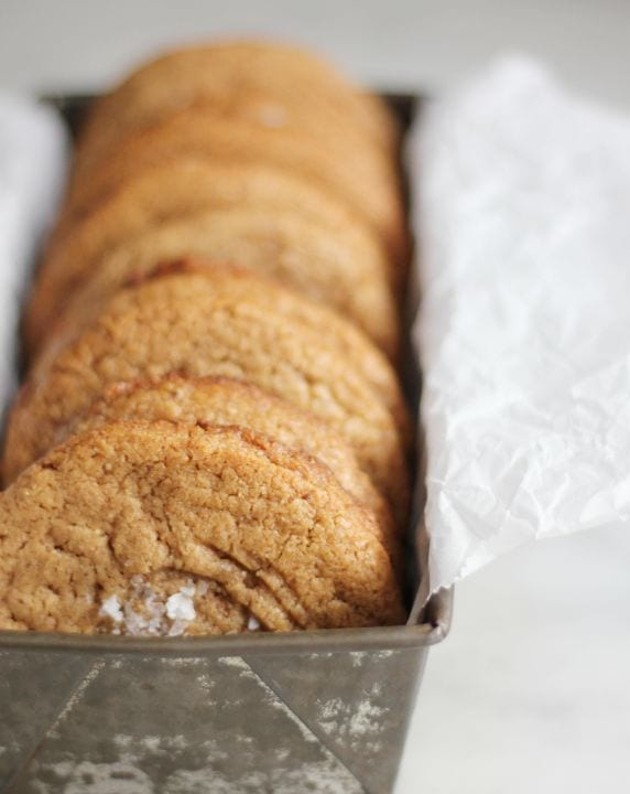 Flourless almond butter cookies ~ 25 MORE Fabulous Flourless Cookies