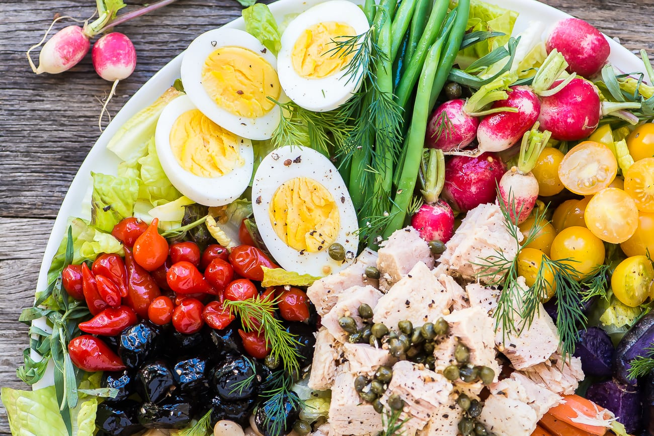 How to Make the Perfect Nicoise Salad ~ this main course salad is gorgeous, full of protein, and utterly delicious!