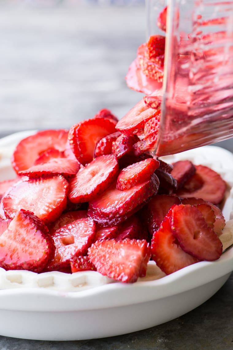 Juicy fresh strawberry filling for Strawberry Crumble Pie