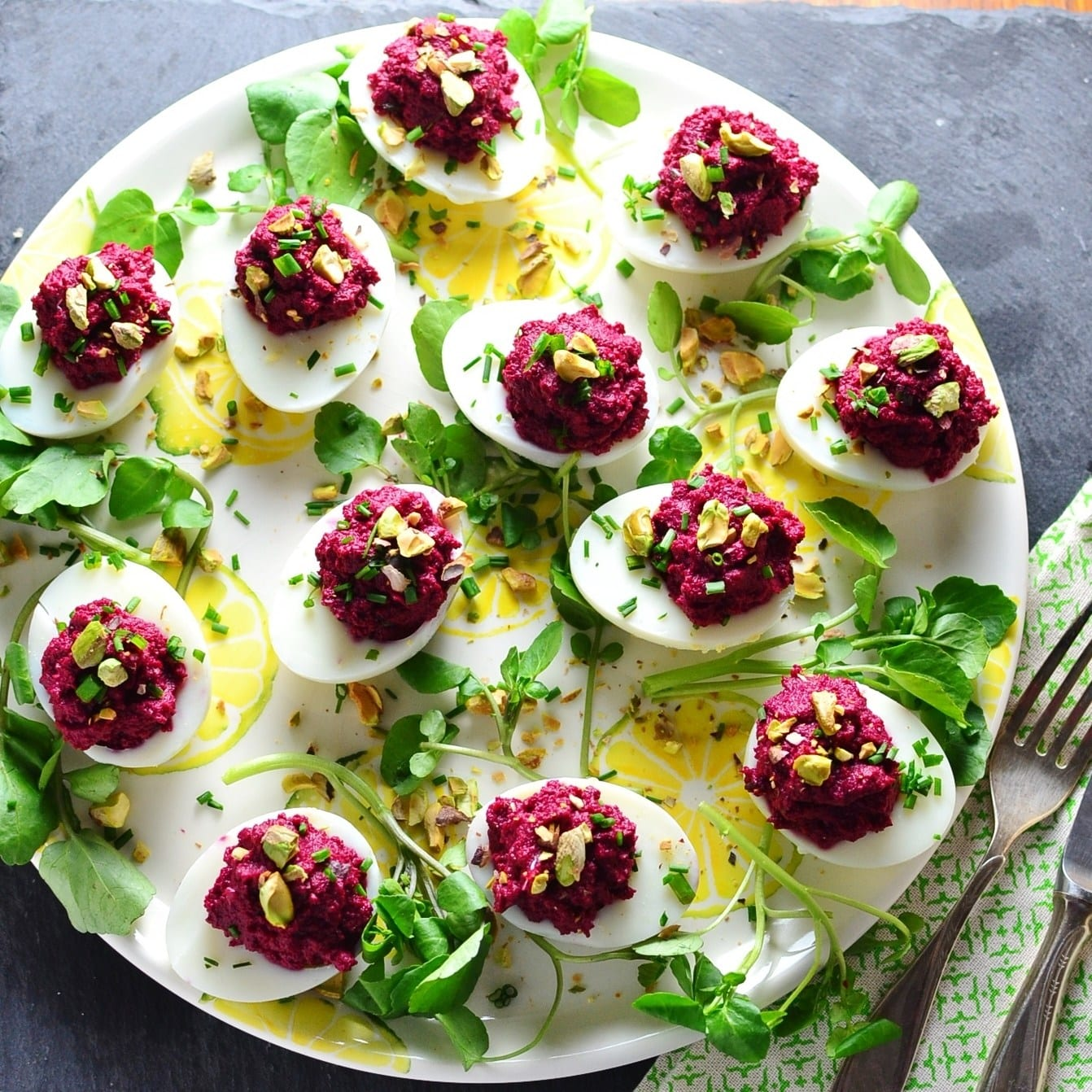 deviled eggs with beetroot