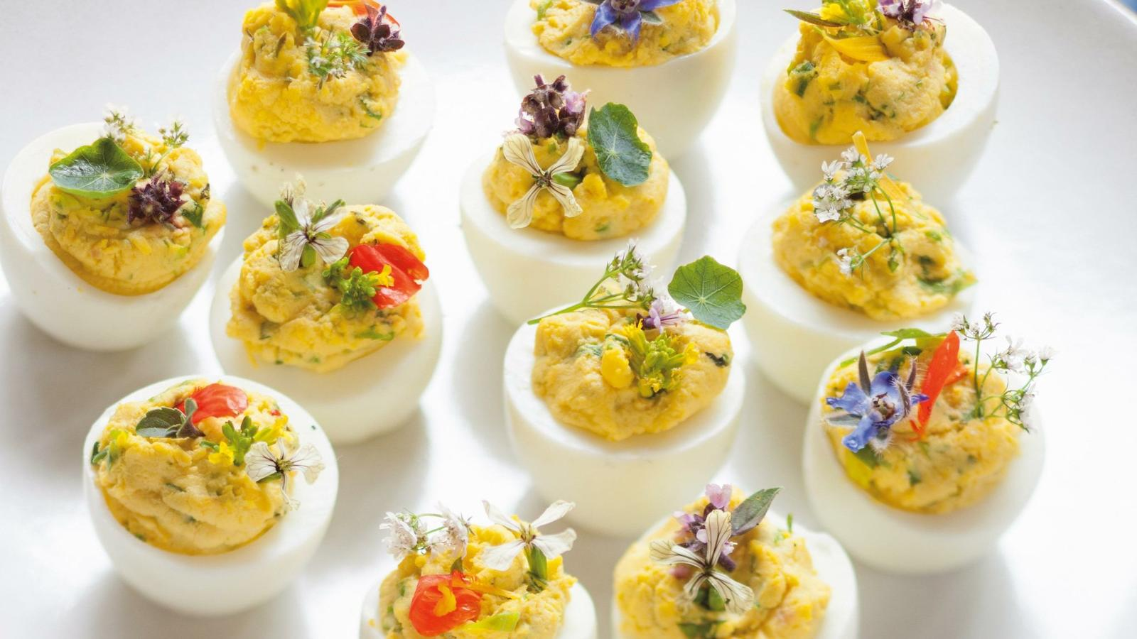 deviled eggs with goat cheese