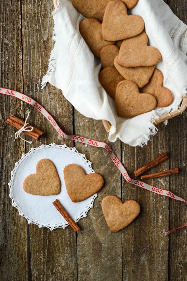 Norwegian gingerbread cookies