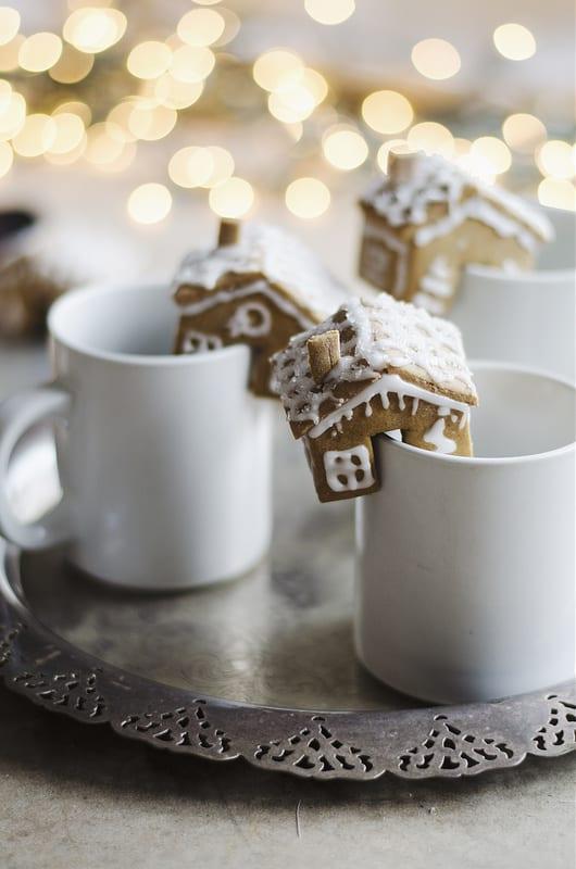 gingerbread mug houses