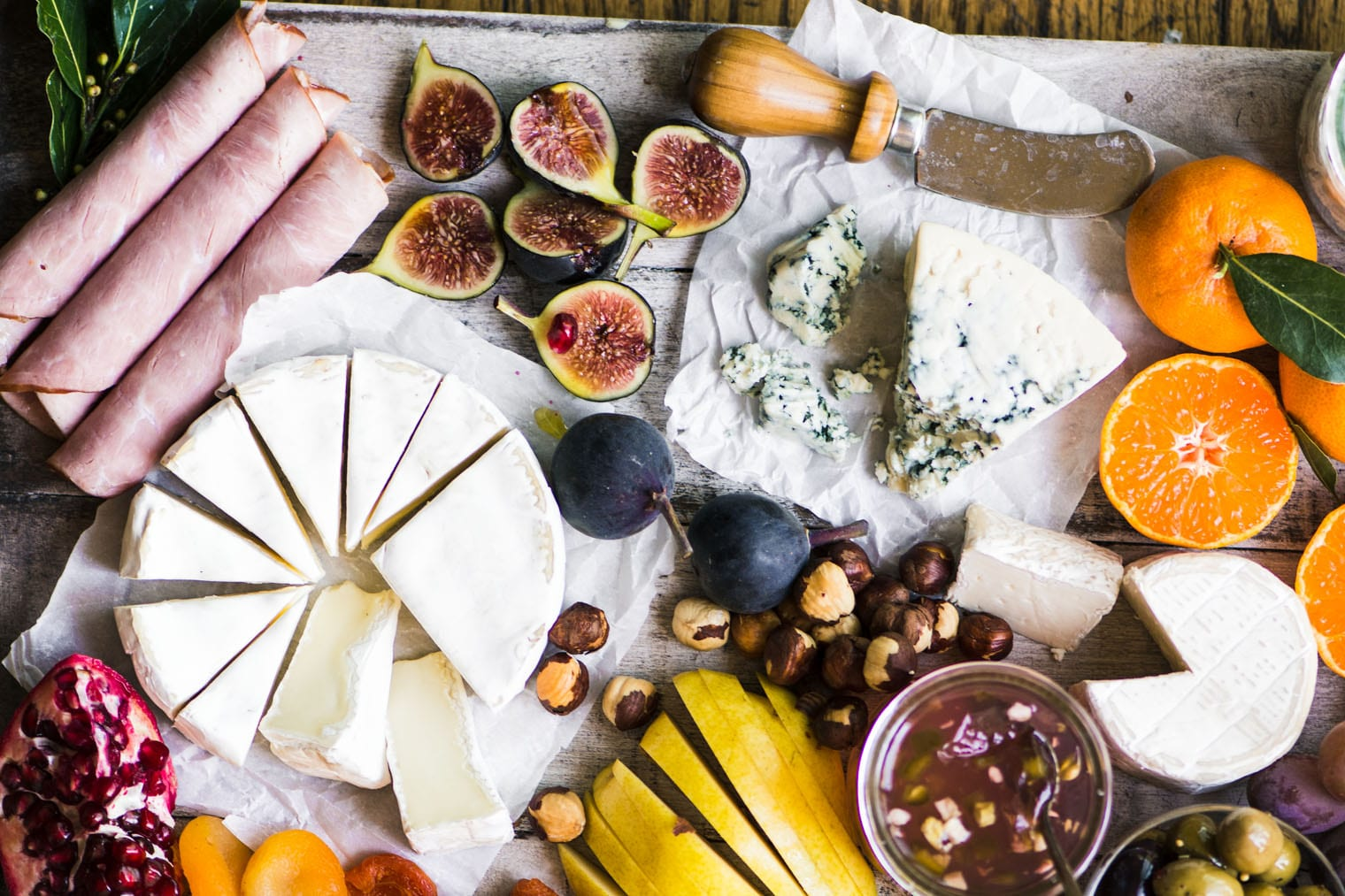 How to Make the Perfect Holiday Cheese Board