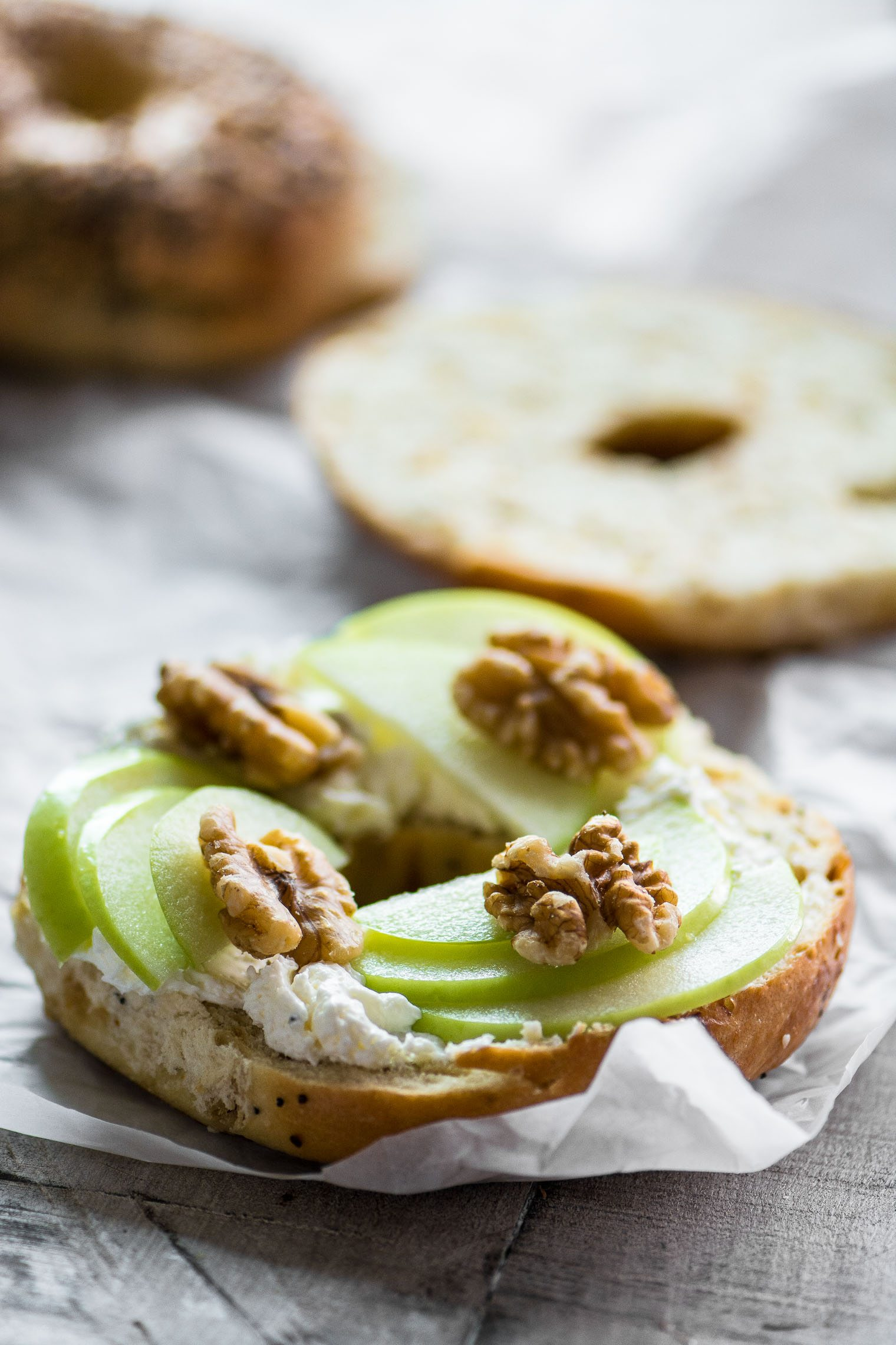Irresistible Bagel Toast (your new favorite snack!) | The ...