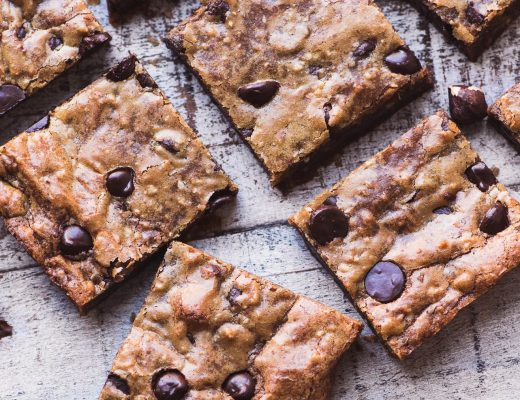 Chocolate hazelnut blondies, cut in squares