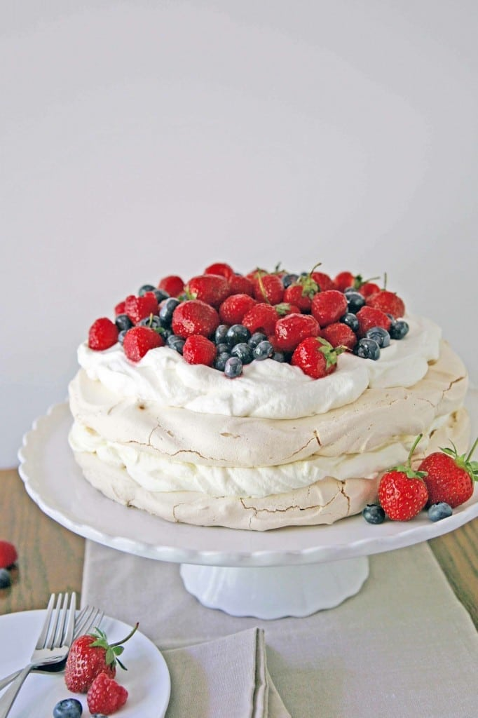 RED WHITE AND BLUE RECIPES YOU ACTUALLY WANT TO EAT! Red White and Blue Berry Pavlova