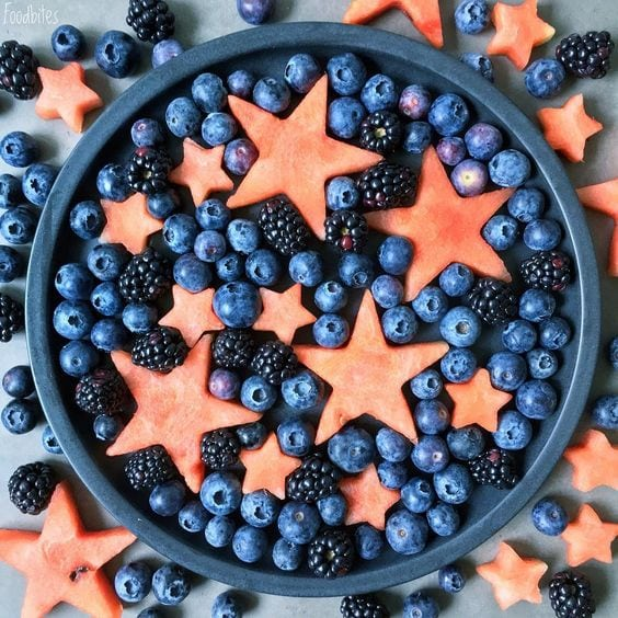 RED WHITE AND BLUE RECIPES YOU ACTUALLY WANT TO EAT! Blueberry Watermelon star salad