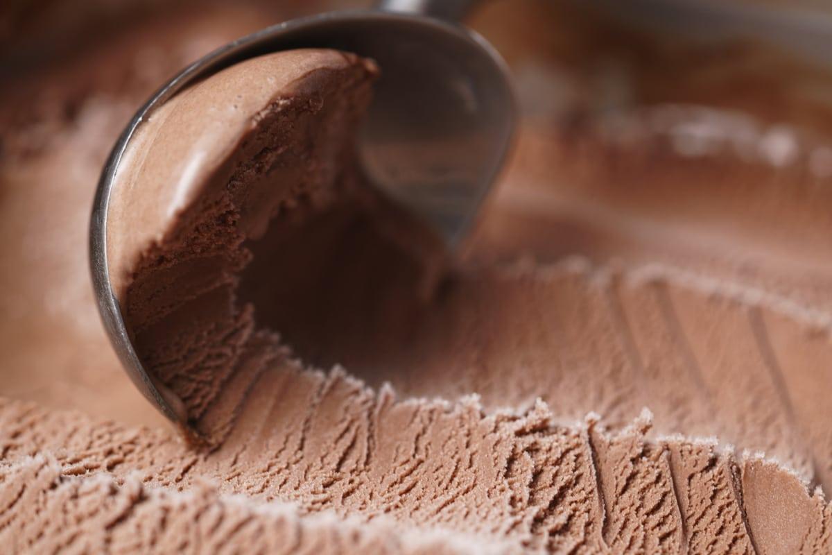 scooping no churn chocolate ice cream