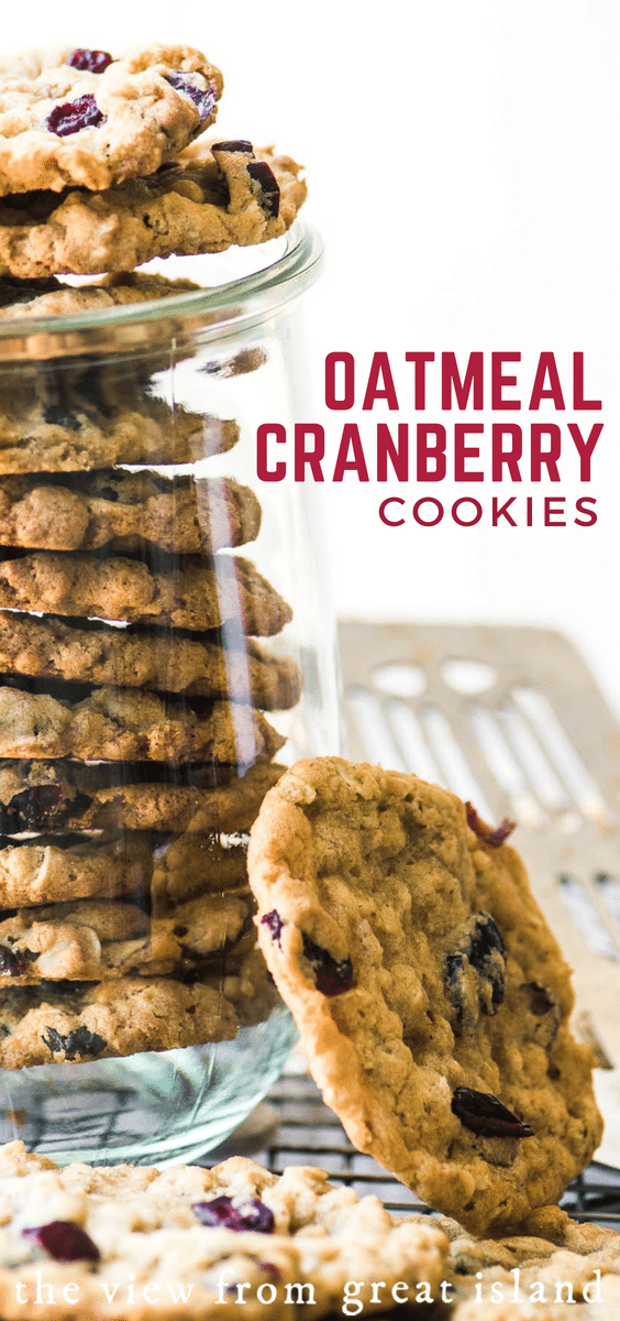 Oatmeal Cranberry Cookies ~ these cookies are crisp on the outside, chewy inside, and packed with tart cranberries. #homemade #recipe #easy #snack #dessert #cookies #afterschool #cookieswap #holiday #chewy #soft #best #oldfashioned #withquickoats